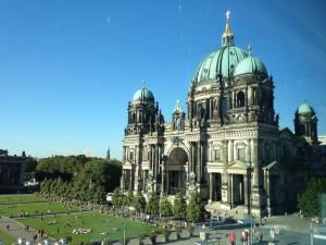 06.09.2013 Berliner Dom von der Humboldtbox aus